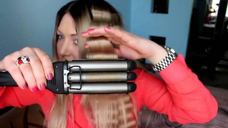 Посмотрите также видео о том, как пользоваться тройной плойкой для волос.