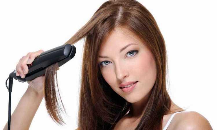 Узнайте также, как накрутить волосы выпрямителем.