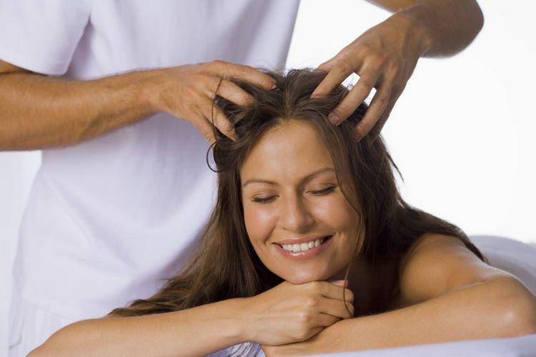 Полезен также массаж головы и скрабирование.