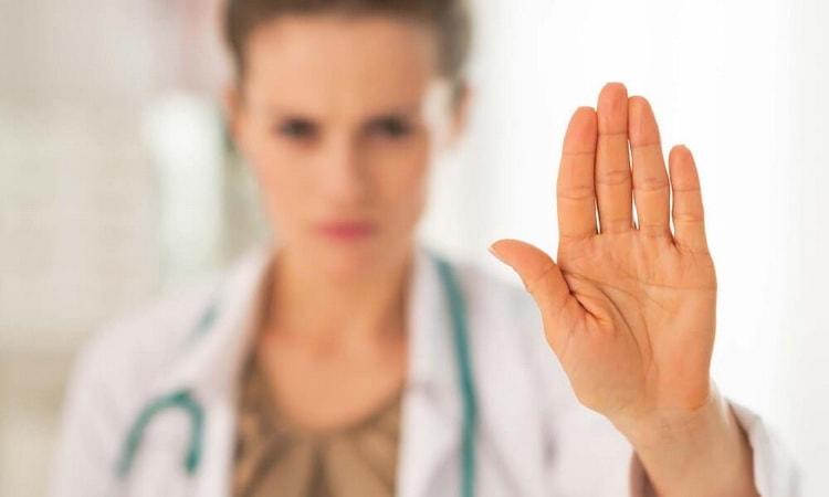 медицинский педикюр противопоказан при