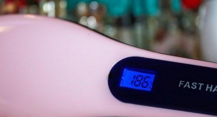 на многих моделях есть экран, который показывает температуру нагрева.