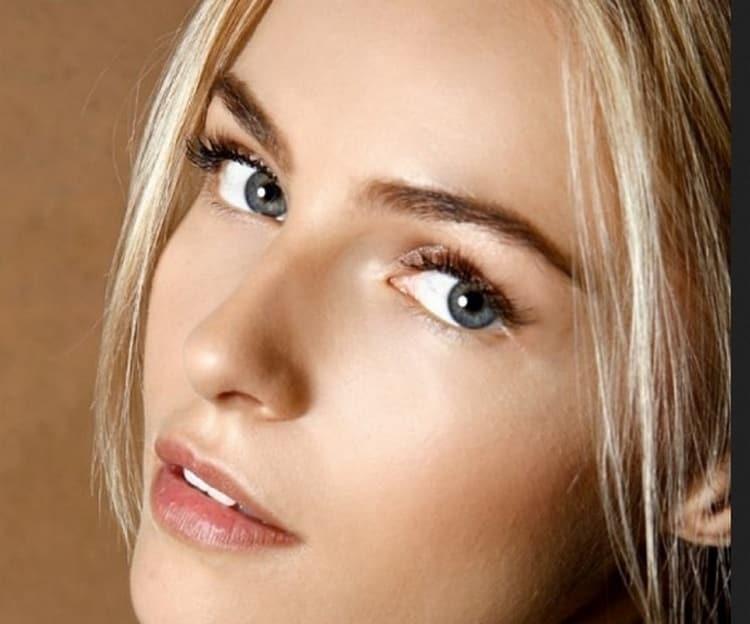 Желательно использовать легкие, светлые тона в макияже.