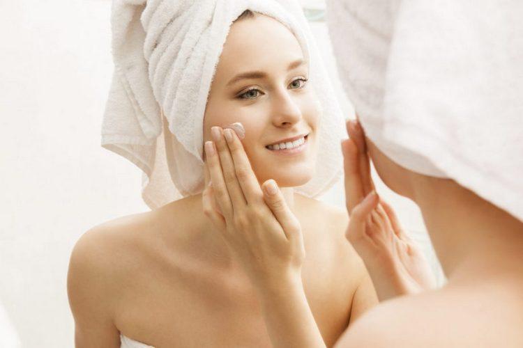 Важно помнить и об использовании хорошего увлажняющего крема для проблемной кожи.