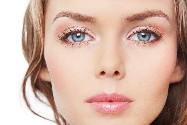 Поговорим отом, какие существуют виды макияжа глаз, а также посмотрим фото.