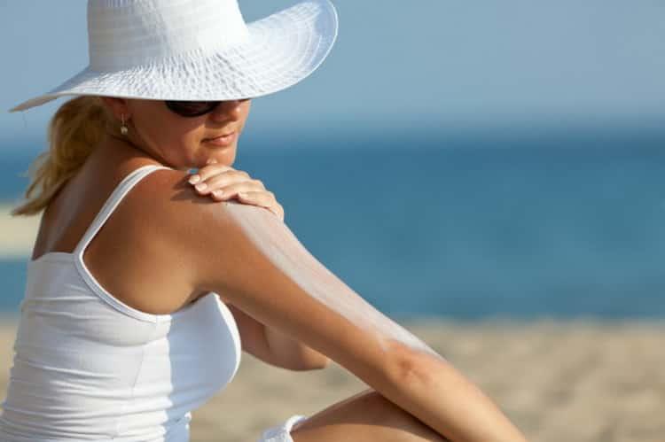 почему шелушится кожа после загара