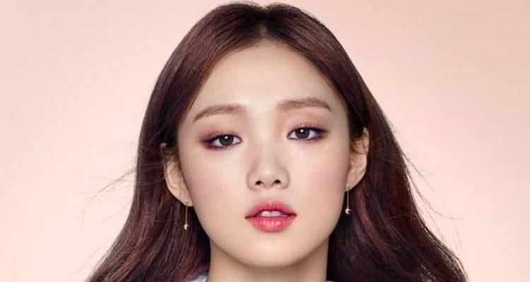 Корейский макияж глаз со стрелками фото