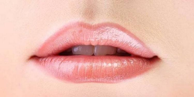 Как выглядит татуаж губ с растушевкой: натуральный цвет
