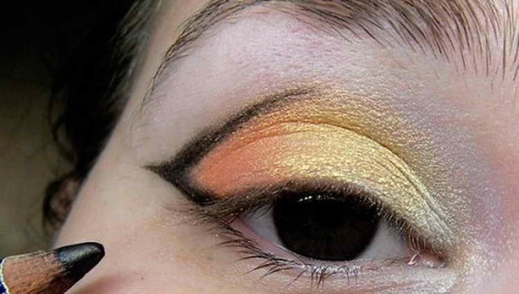 Восточный макияж: как правильно сделать дома – пошаговая фотоинструкция