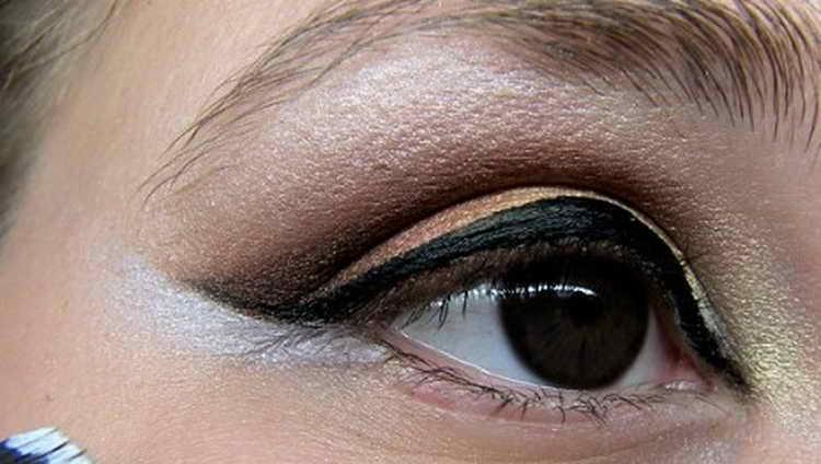 Восточный макияж: как правильно сделать самой