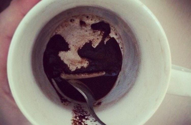 гадание о том, думает ли он обо мне, можно сделать при помощи кофе.