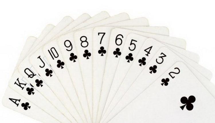 гадать на игральных картах на любимого значение трефа