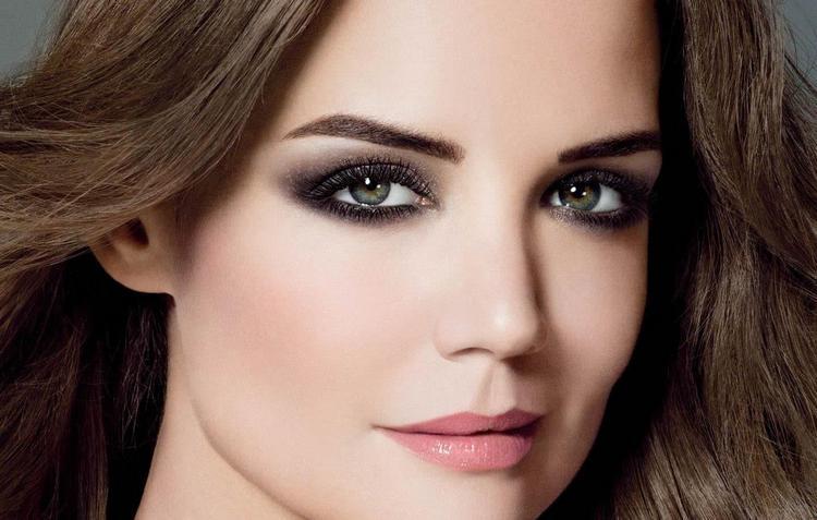Глаза играют важнейшую роль в макияже.