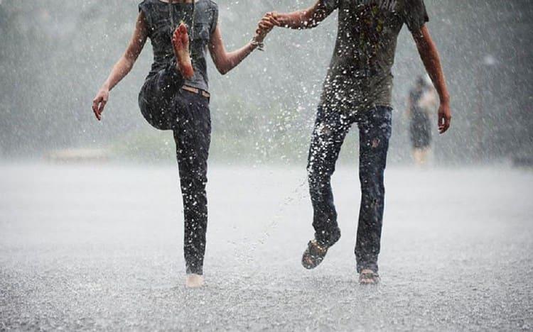 Узнайте, к чему снится идти под дождем.