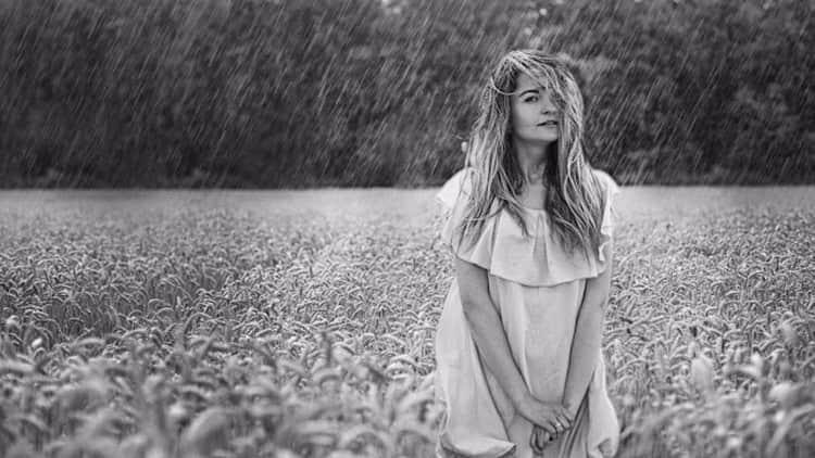 Узнайте, к чему во сне женщине снится дождь.