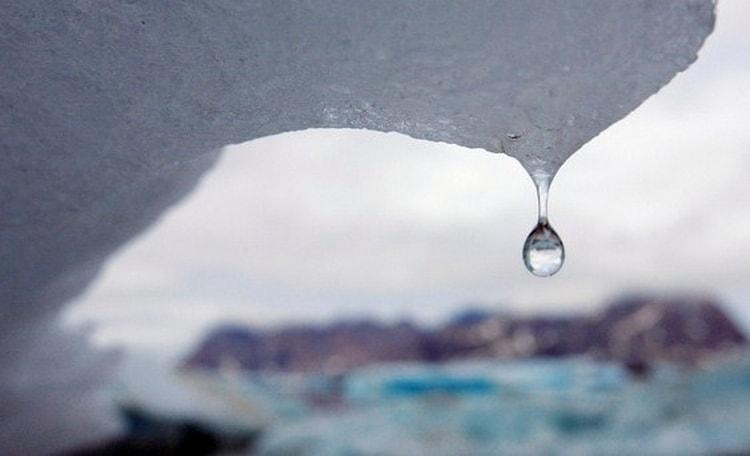 Талая вода имеет отдельное значение в сонниках.