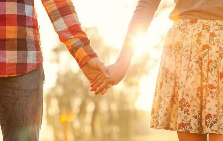 Нередко, то, к чему снятся собственные похороны, это добрый знак на счастливую жизнь с любимым.
