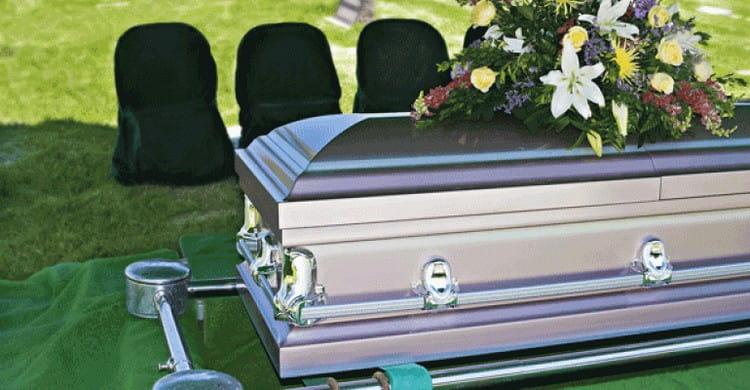 По разным сонникам похороны незнакомого человека имеют тоже разное значение.