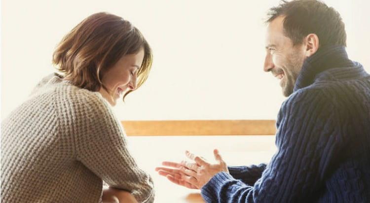 Один из способов, как вернуть любовь мужа к жене, являются уважение и интерес к его жизни и волнующим его темам.