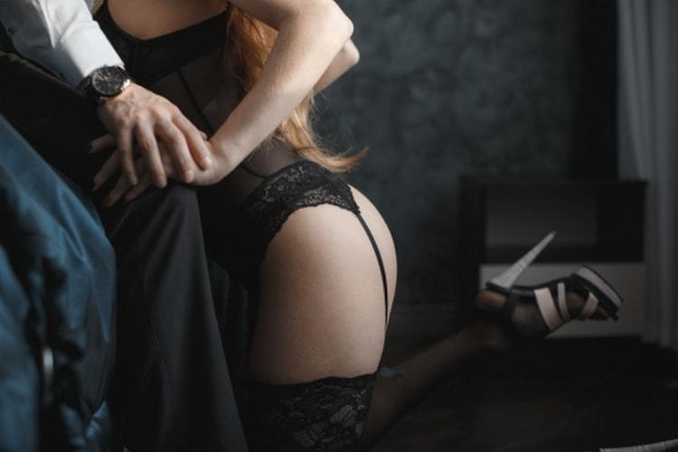 Конечно же, чуть ли не самую главную роль в то, как вернуть страсть в отношения с мужем, играет интересный секс.