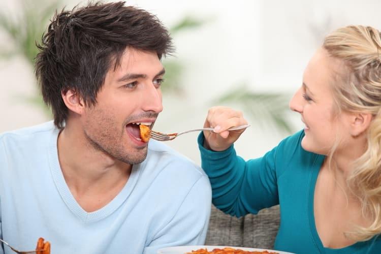 Если не знаете, как вернуть внимание мужа, постарайтесь в первую очередь проявить внимание к нему самому.