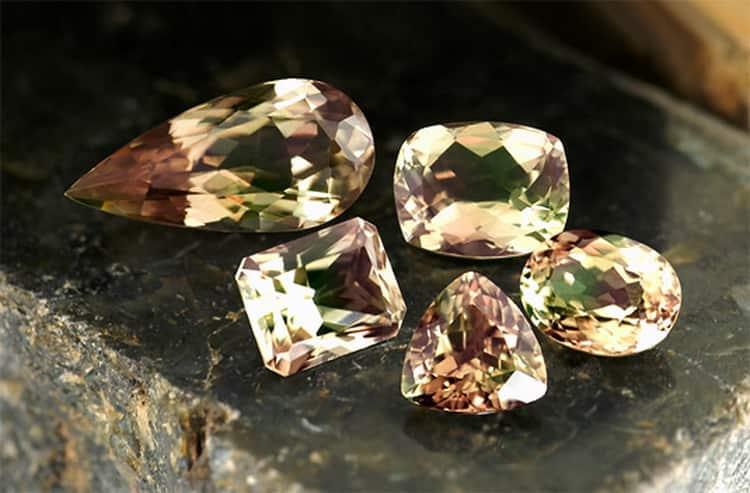 Камень султанит, его магические свойства и кому он подходит по знаку зодиака