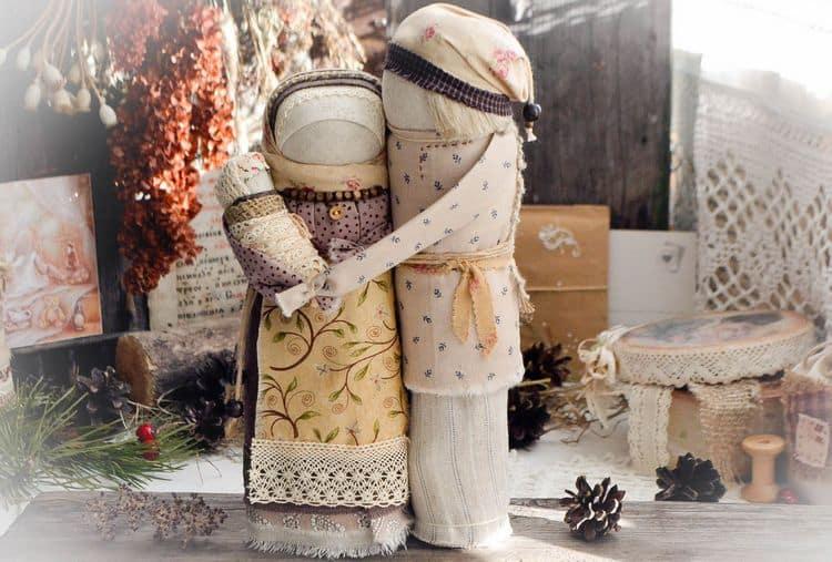 Наша пошаговая инструкция расскажет, как делать славянские куклы-обереги своими руками.