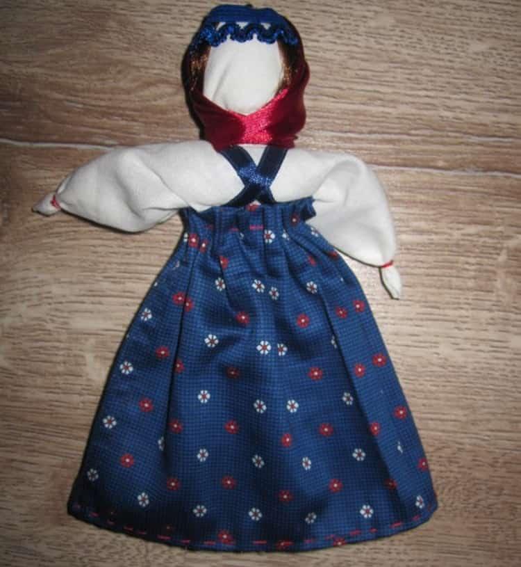 Вот мы и рассказали, как сделать куклу-оберег.