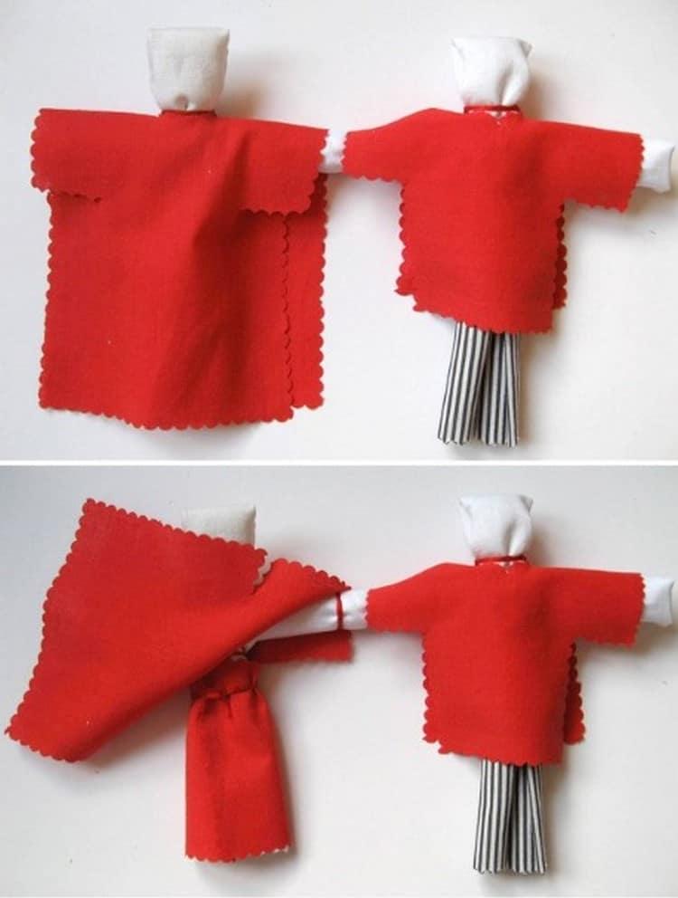 Из яркой ткани делаем одежду для кукол.