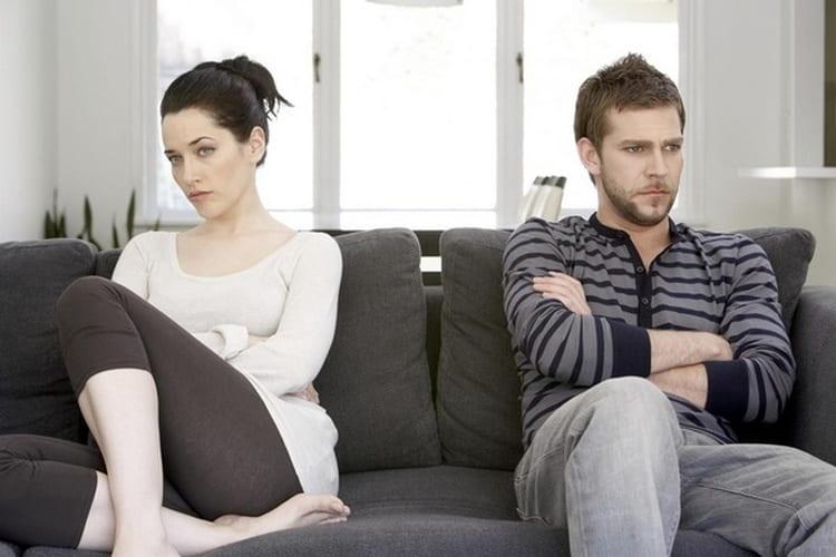 В паре женщина петух и мужчина Змея совместимость очень низкая, что будет приводить к постоянным ссорам.