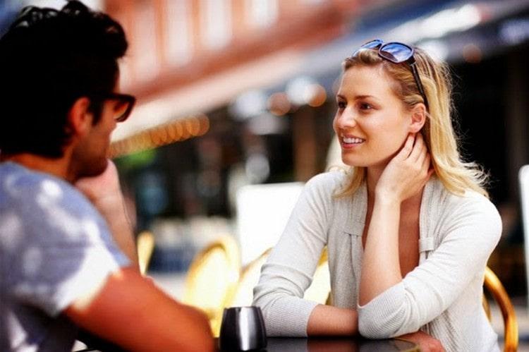 одной из причин, почему мужчина Дева игнорирует женщину, которая ему нравится, может быть его скромность.
