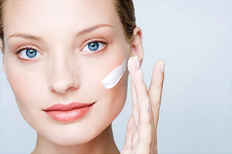 Для начала нужно наносить на лицо крем с гликолевой кислотой.