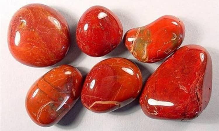 красная яшма камень свойства и фото