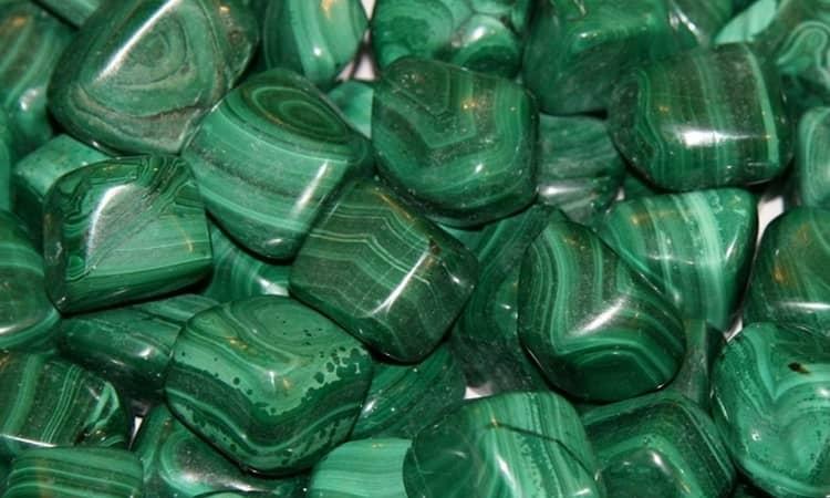 камень нефрит магические свойства и кому подходить