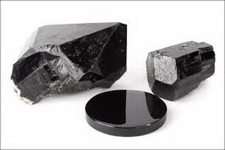 шунгит свойства камня при лечении
