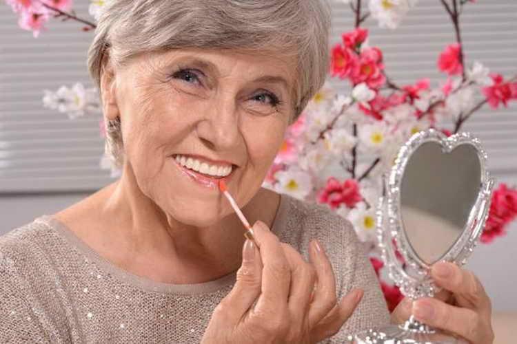 возрастной макияж губ