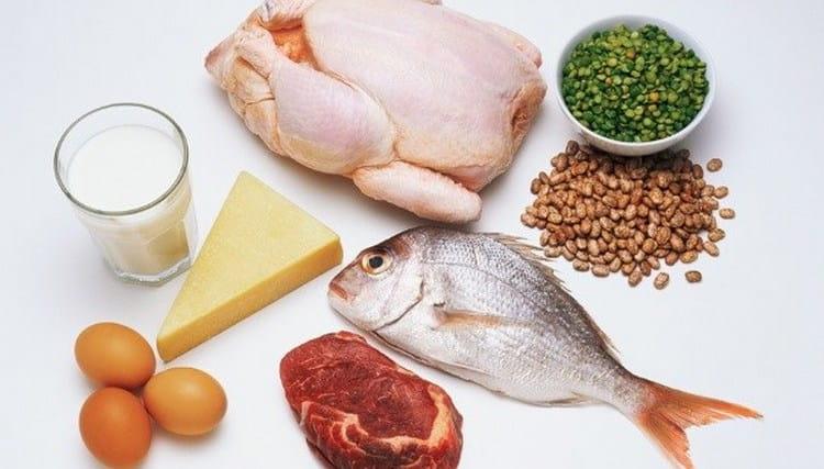 Диета эта в принципе однообразна, поэтому организм может страдать от нехватки витаминов.