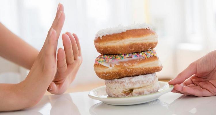 При этой диете нужно отказаться от сахара.