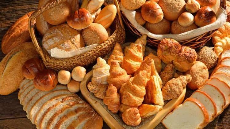 Диета после отравления у детей исключает приему в пищу хлеба и сладких изделий.