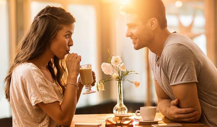 В пятницу ухо, которое горит, обещает приятное свидание.