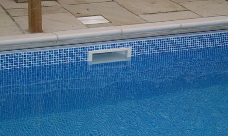 не очень хорошо, если во сне вода из бассейна уходит.