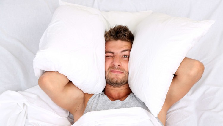Многих парней интересует, почему снится бывшая девушка.