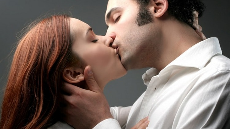 Если приснился секс с бывшей девушкой, сон может иметь несколько значений зависимо от деталей.