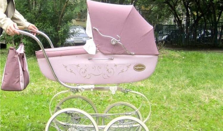 Если приснилась детская коляска, нужно обратить внимание на ее цвет.