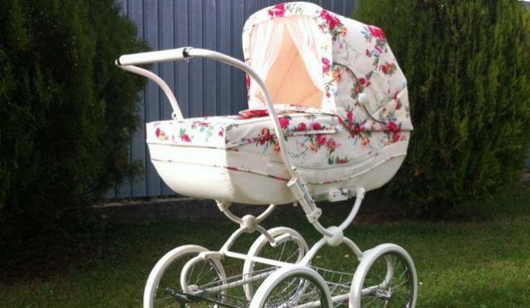 Узнайте, к чему снится детская коляска во сне.