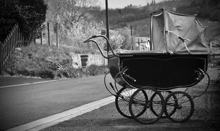 По соннику детская пустая коляска это не очень хорошо.