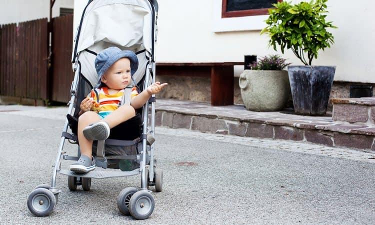 По соннику детская коляска с ребенком может иметь разные значения.
