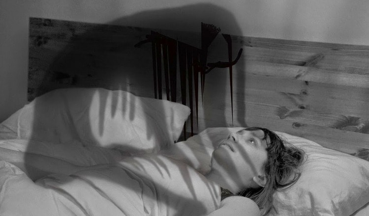 Узнайте, к чему это, если домовой душит во сне.