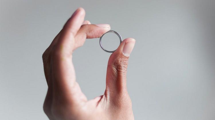 По соннику обручальное кольцо это добрый знак.