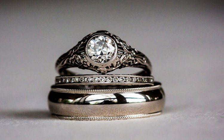 Узнайте, к чему снятся кольца во сне женщине.