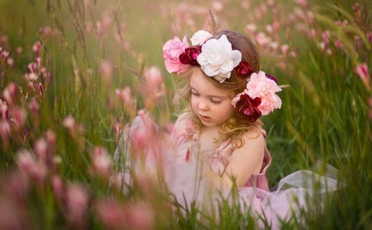 Если приснилась маленькая девочка, обратите внимание на детали сновидения.